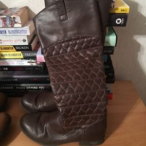 Size 8 1/2 boots